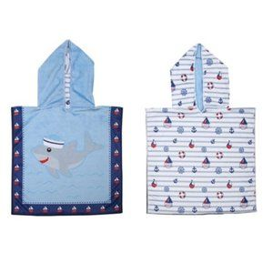 Flapjackkids REVERSIBLE PONCHO COVER UP - SHARK SAILBOATS